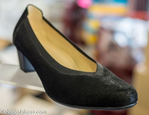 Alpina Johana elegant textured leather court shoe